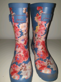 Joules wellies size 3