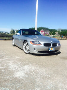 2003 BMW Z4 2.5 mint. 46,962 Kms!!