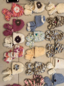 Knitted Infat Hat and Fleece Lined Mitts Set