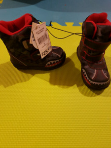 Toddler Boy Boots (size 7)