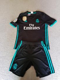 2635e3a11 Addidas Boys -Real Madrid football kit