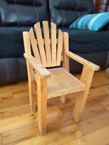 Petite chaise d'enfant