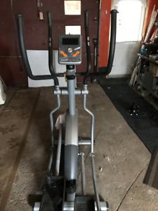 Appareil d'entraînement elliptique