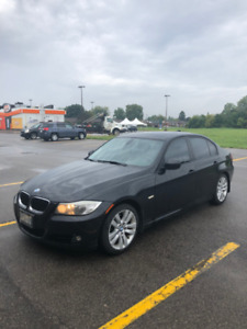 2011 LUXURY EDITION BMW 323I