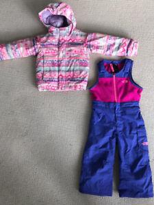Like NEW NorthFace size 3T girls snow jacket/pants