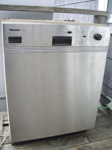 Miele stainless dishwasher- works great,