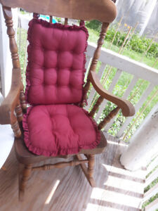 ROCKING CHAIR-THICK & VERY STRONG