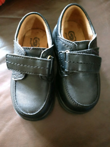 Size 7 toddler shoes