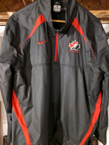 Medium Nike Storm-Fit Team Canada Hockey Windbreaker
