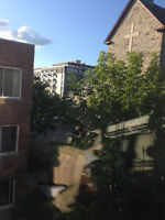 SUBLEASE or SUBLET Spacious 2 ½ apartment