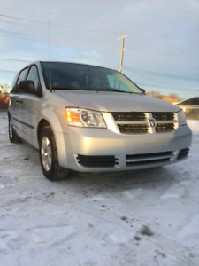 2008 dodge grand caravan very clean with no issues