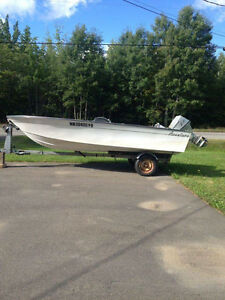 2012 Adventure Fibre Glass boat and 2002 Honda outboard motor
