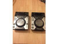 Pair of CDJ 400 CD / MP3 Decks