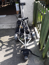 ELECTRIC GOLF TROLLEY PRO 2 GO VERY GOOD CONDITION WITH CARRIER BAG