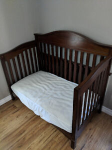 Eddie Bauer Langley Crib with mattress and cover
