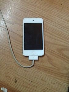 White IPod Touch 4Th generation