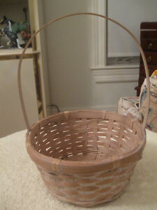 QUAINT LITTLE VINTAGE NEATLY WOVEN BASKET with HOOP HANDLE
