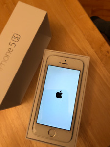 iPhone 5S clean & unlocked with 'drop-proof' case.