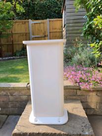 Boat C/Pit table pedestal