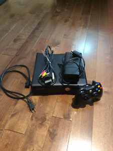 XBOX 360 SLIM 10/10 CONDITION 250GB