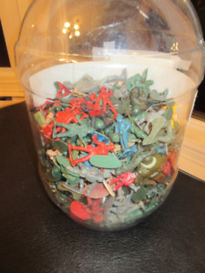 Over 200 Plastic  soldiers/wild west figures & medieval knights