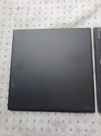 Black ceramic heat resistant tiles