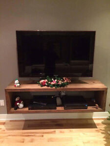 BEAUTIFUL HAND MADE IN QUÉBEC TV STANDS/FURNITURE