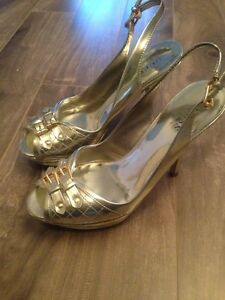 size 6 GUESS by Marciano