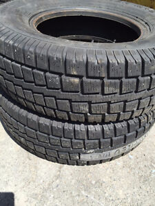 2 Pneus hiver Discovery Cooper 245/75R16 comme neuf