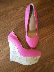 Woman's Pink Summer Wedges