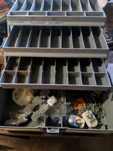 Plano top access tackle box