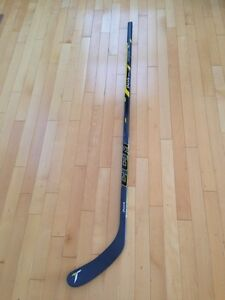 New CCM tacks hockey stick junior