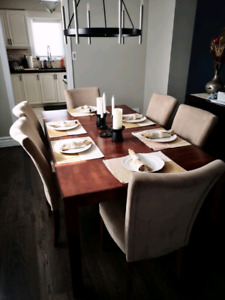 Dining table and Chairs $375