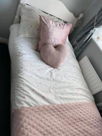 Single bed & matress like new