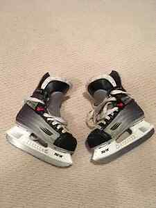 BAUER Vapor Select II YOUTH Size 11.5