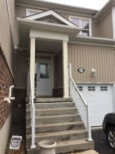 Modern 3 Bedroom-2.5 Bathroom-Close to Downtown