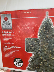 6.5ft Pre-lit Christmas Tree