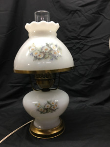 Vintage Milk Glass Gone with the Wind Lamp