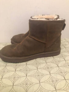 Ugg Classic Mini Deco Boots Women's Size 9- Like New Condition!