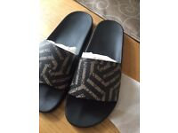 Gucci sliders ,real ,black brown size 9 men's new.(real)