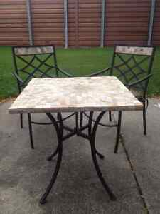 HEAVY MARBLE COFFEE TABLE / 2 CHAIRS Windsor Region Ontario image 2