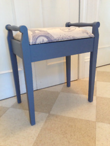 Beautiful Antique Upholstered Bench, Solid Wood, Lift Seat