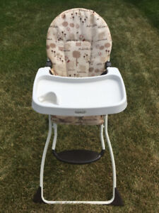 COSCO BABY HIGH CHAIR!