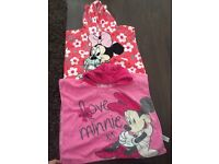Minnie Mouse hooded towels