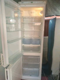 Excellent/super clean 199cm tall frost free fridge freezer. Delivery