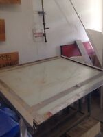 Hemming graphics table with light