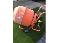 Electric concrete Mixer used only 1 job