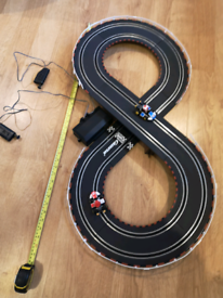 Mario Cart Figure 8 Carrera Race Track
