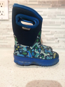 Bogs Winter Boys Boots Size 7
