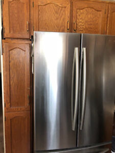 KITCHEN CABINETS, DRAWERS & PANTRY